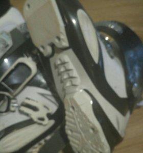 Горнолыжные ботинки Атомик
