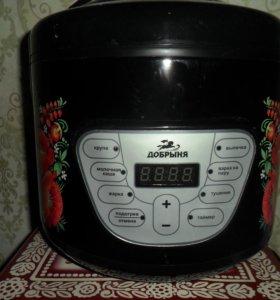Продам мультиварку Добрыня DO-1009