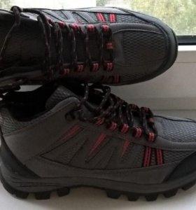 Новые демисезонные кроссовки