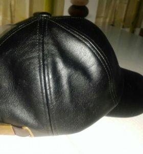 Новая кожаная кепка