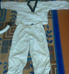 Продам кимоно для тхеквондо