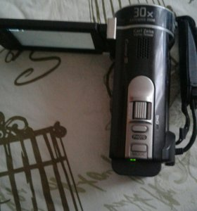 Камера SONY CX190E