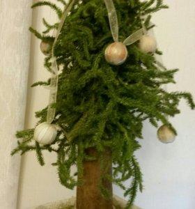 Новогоднее украшение:елка из мха