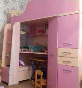 Кровать чердак.со столом и шкафом