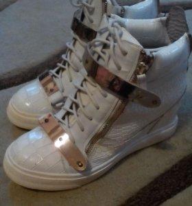 Ботинки- сникерсы