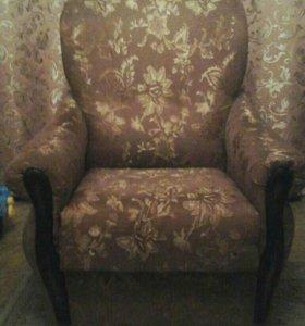 Кресло не раскладное б/у