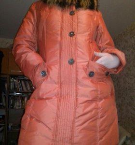 Зимняя куртка- пуховик р.48-50 с мехом енота