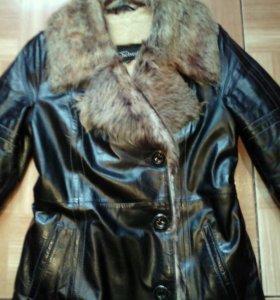 Кожаное зимнее пальто 42-44