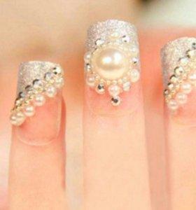 Стразы на ногти