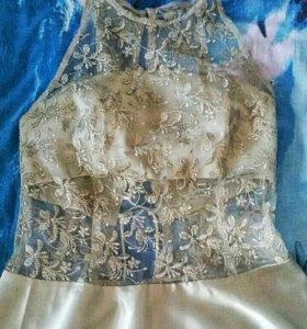 Продаётся  платье за 1000,одевалось один раз.