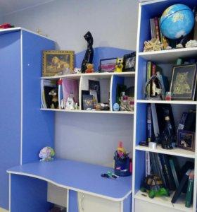 Стенка (шкаф, стол, полочки)