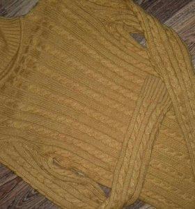 Тёплый свитер , водолазка.