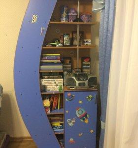 Книжный шкаф с тумбой.