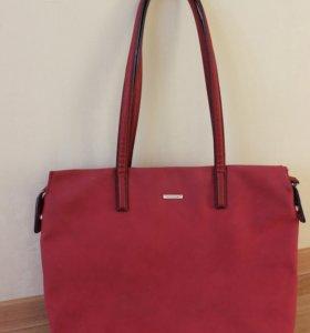 Красная замшевая сумка