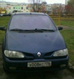 Автомобиль Renault Scenic