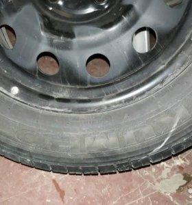 Продается комплект колес диски с резиной 18