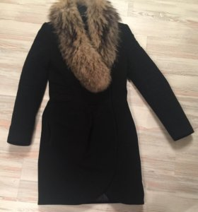 Качественное пальто черное натуральный мех