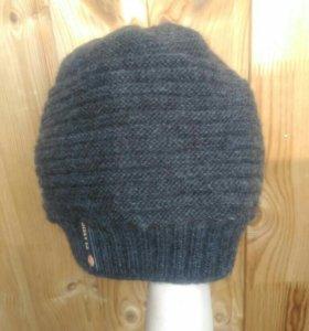 Зимняя шапка спортивная