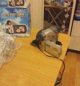 Видеокамера JVC -GR-D23E