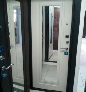 Входная дверь со склада, Царское зеркало.
