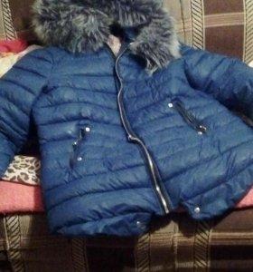 Куртка зимния теплая.