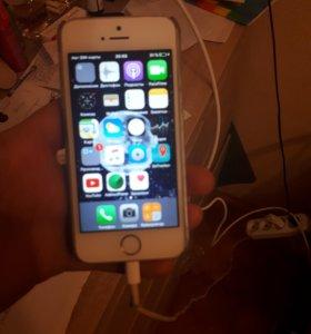 Айфон 5s в отличном состоянии.