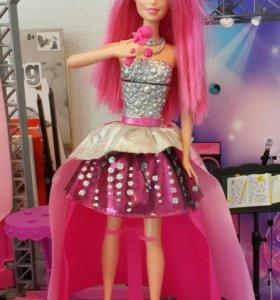 Барби и сцена