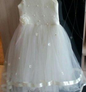 Платье на девочку 6-7лет
