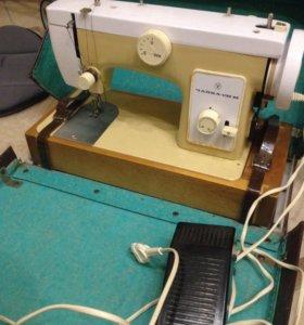 Швейная машинка Чайка 132-М
