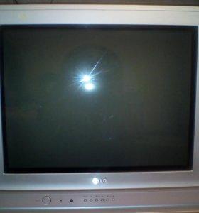 Телевизор LG , экран плоский.