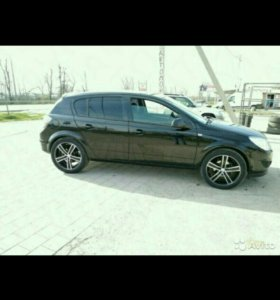 Opel Astra 2011г
