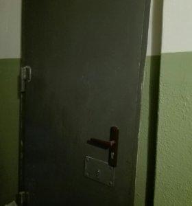 Отдам Дверь металлическую 112 серия дома