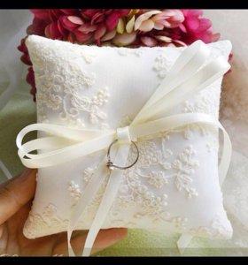Свадебная атрибутика. Подушка для колец