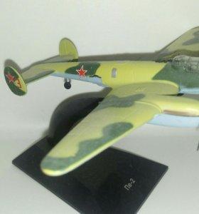 Модель самолета Пе-2