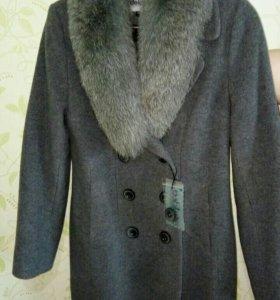 Пальто зимнее новое Dekka