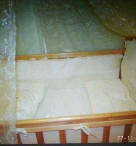 Продаю детскую кровать-маятник