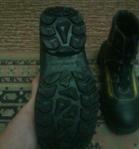 Ботинки с металлическим носком берцы Новые