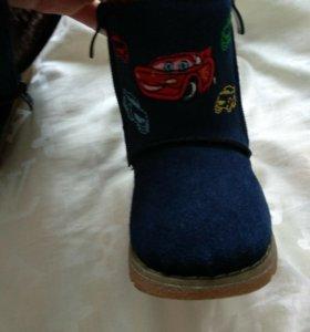 Новые зимние ботинки угги детские