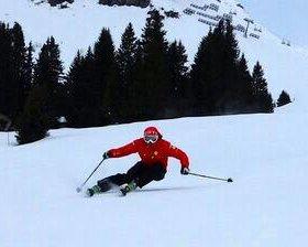 Обучение навыкам спуска на горных лыжах и сноуборд