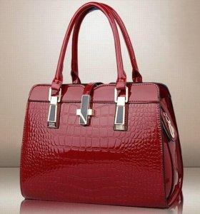 Эксклюзивная женская сумка из лакированной кожи