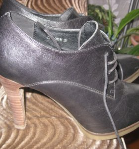 полуботинки на высоком каблуке