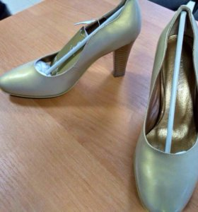 Туфли женские .