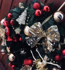 Рождественский венок и новогодние подарки❄️⛄️❄️