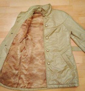 Женская куртка размер 42-44