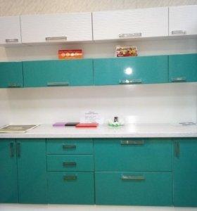 Двухуровневый кухонный гарнитур