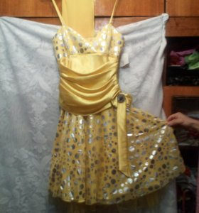 Продам дешево красивое платье