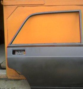 Задняя правая двеца на ВАЗ 2107 (новая)
