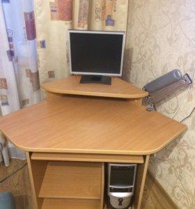 компьютерный стол с подставкой для монитора