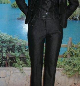 Костюм четверка:юбка,брюки,пиджак,жилетка