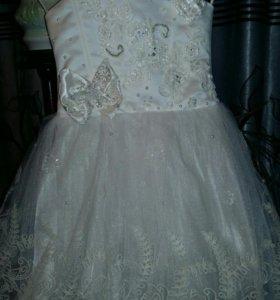Модное детское платье
